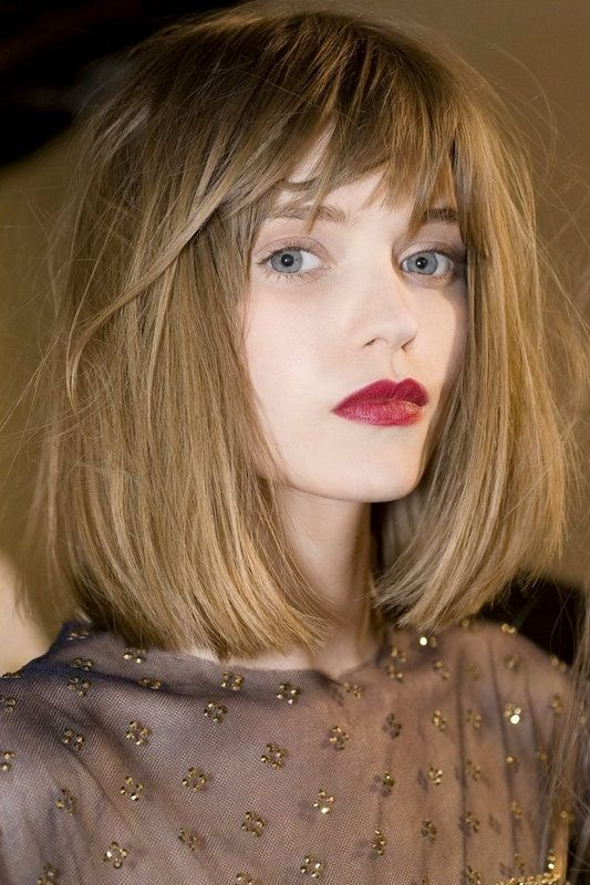 Haircuts women with bangs round face (14)
