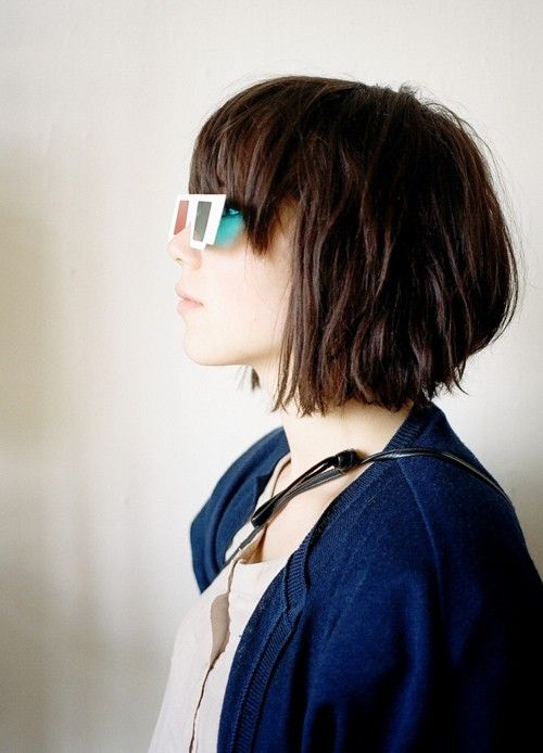Haircuts women with bangs round face (21)