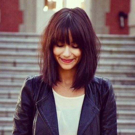 Haircuts women with bangs round face (28)