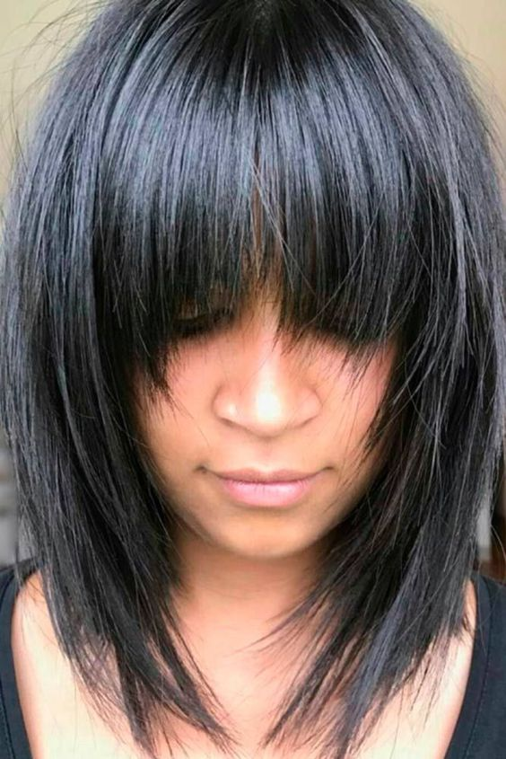 Haircuts women with bangs round face (4)