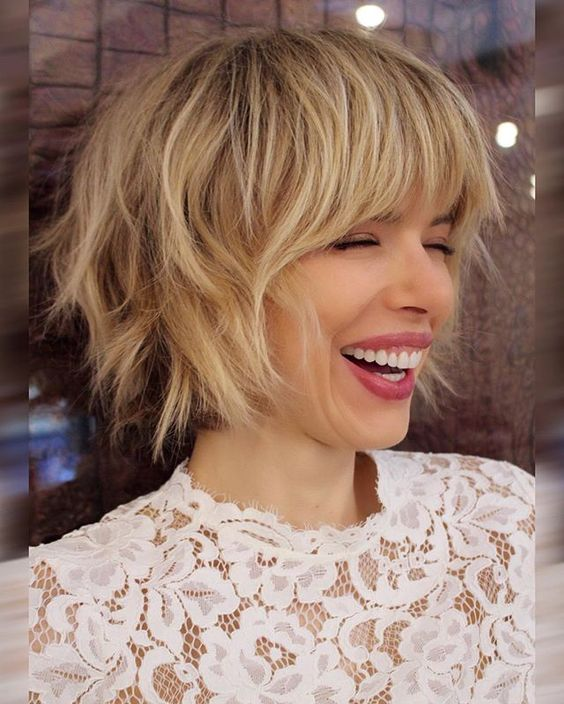 Haircuts women with bangs round face (1)